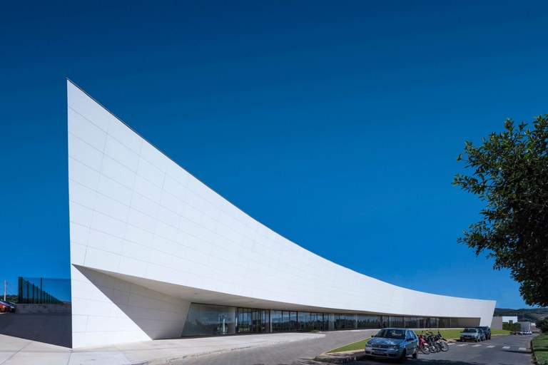 12,000-m2 ULMA VENTILATED FAÇADE at the Zerrenner Foundation in Brazil