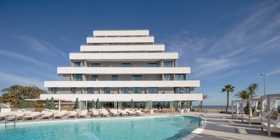 Amazing transformation in one of the largest hotels in Sitges