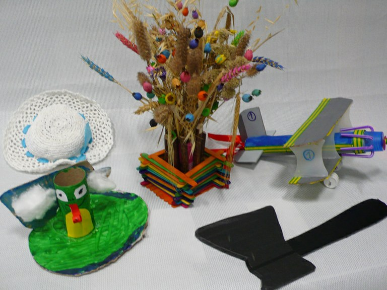 First entries received from ULMA workers' and members' children for the Handicrafts Competition