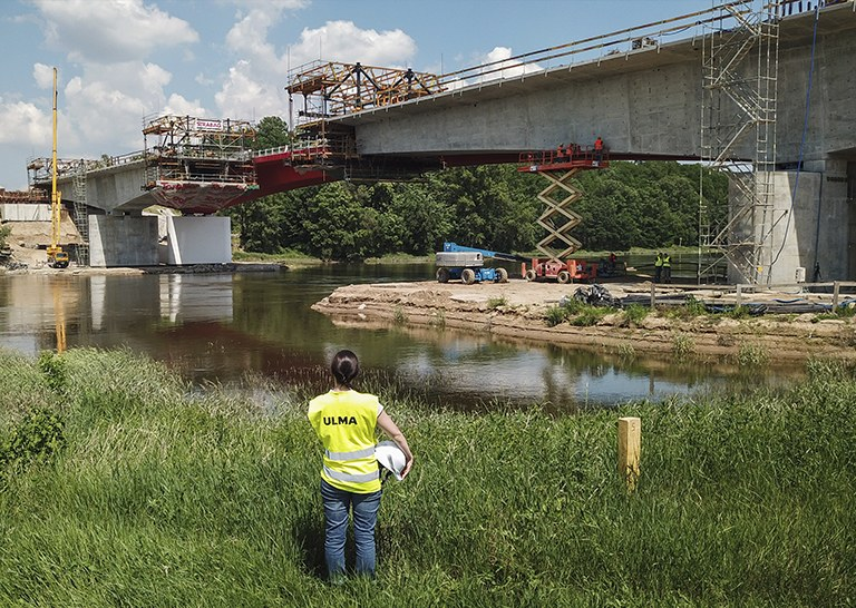 Flexibility and safety with the CVS Cantilever Formwork Carriage in the construction of the MS-4B Bridge in Poland