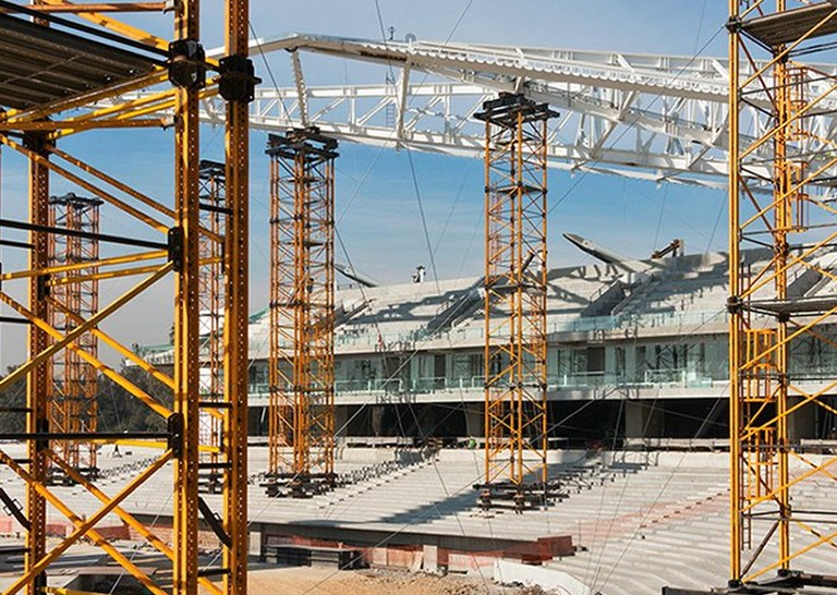 MK Shoring Towers load capacity at Diablos Rojos Stadium, Mexico