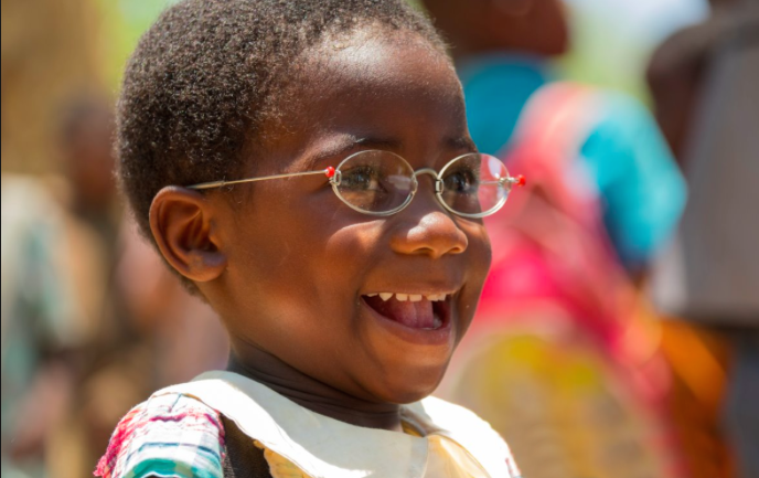 Solidarity collection of glasses for Senegal