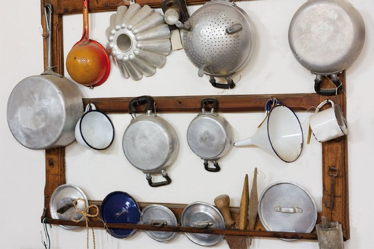 Solidarity collection of kitchen utensils at ULMA