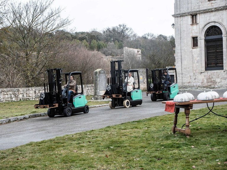 "The ""MasterChef 7"" competition kicks off on Tuesday at ULMA Forklift Trucks"