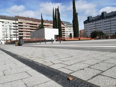 ULMA channels in the renovated plaza Santa Barbara in Vitoria-Gasteiz