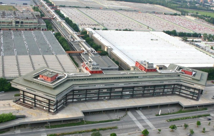 ULMA drainage channels at the Arese shopping centre in Italy