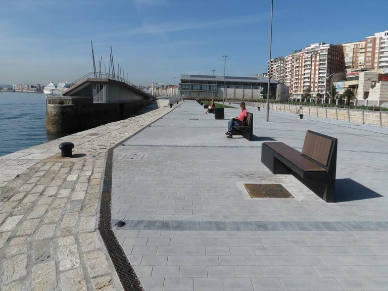 ULMA Drainage Channels at the renovated Gamazo Dock in Santander