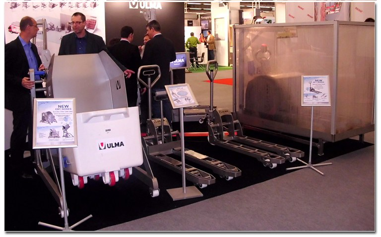 ULMA Inoxtruck presents its specialist clean room equipment at IFFA 2013 and holds its international sales network convention.