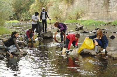"We encourage you to join us: ""Pond for amphibians"" and ""Cleaning the river"", with Oñatiko Natur Eskola"