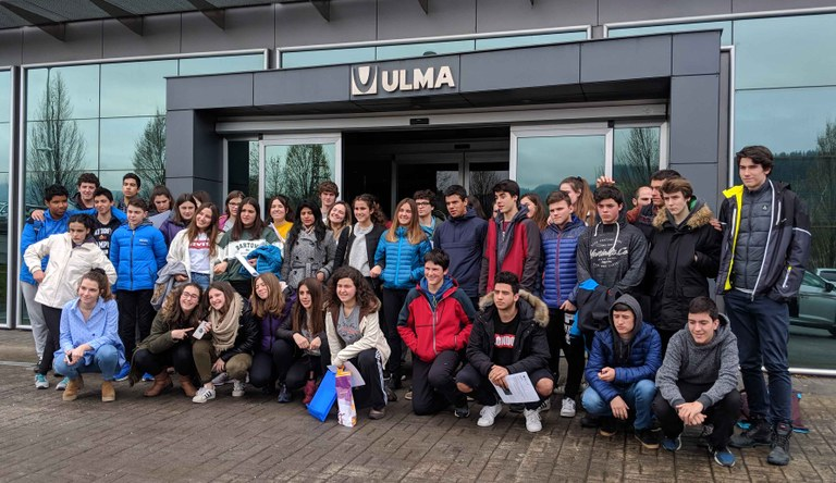 Young people from the Oñati Zuazola Institute visit ULMA