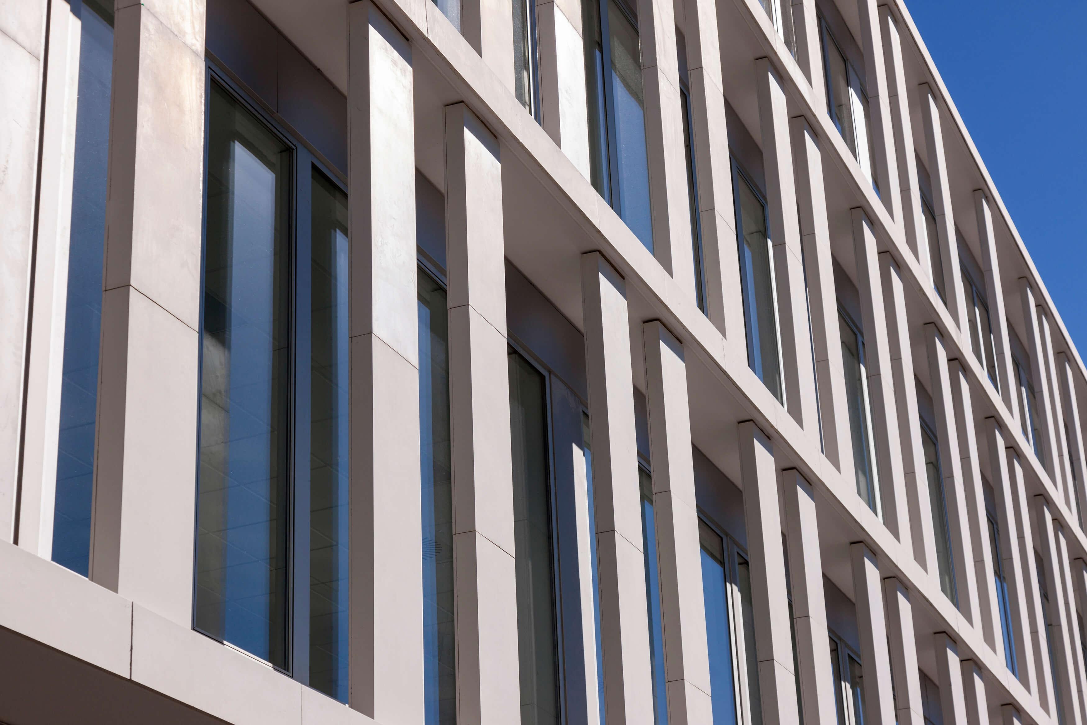 Ulma architectural solutionsek neurrira egindako hormigoi for Oficinas banca march palma